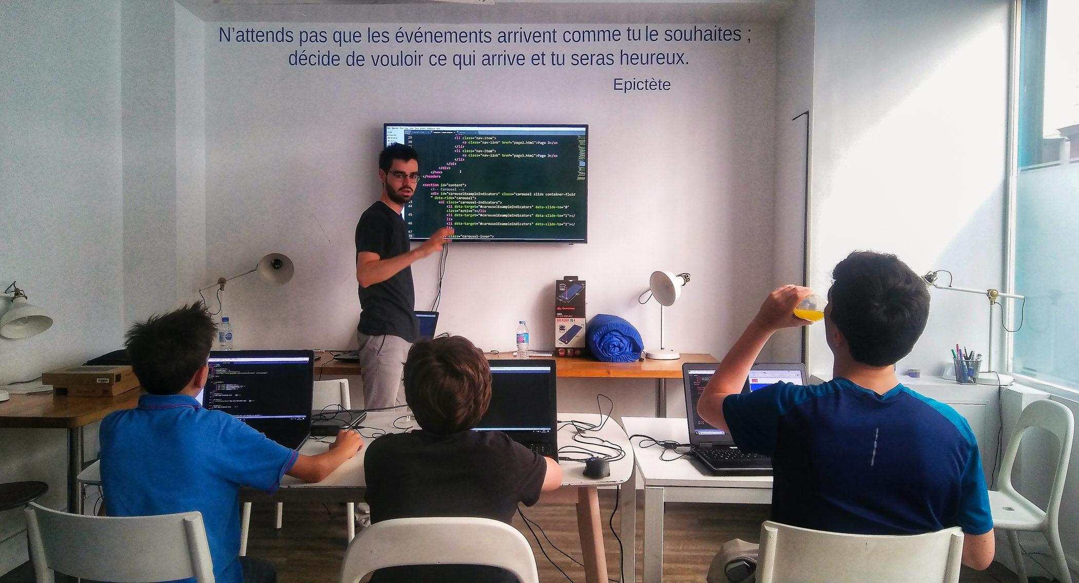 Cours de code avec jeunes